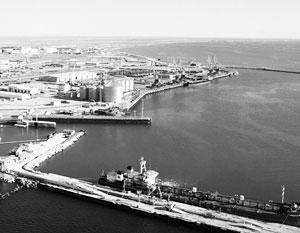 Эксперты опасаются, что транзит американскими военными грузов через Каспий обернется созданием там военных баз