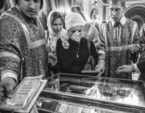 Мощам Николая Чудотворца поклонились около 25 тыс. человек