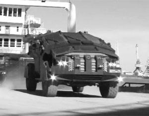 Спецназ ФСБ в Крыму продемонстрировал возможности новейших бронемашин «Фалькатус»