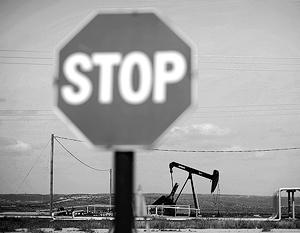 ОПЕК и Россия договорились сохранить сокращенный уровень добычи нефти до марта 2018 года