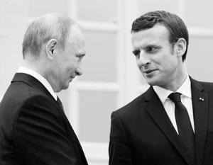 Путин впервые приехал в Версаль – а заодно и познакомился с новым президентом Франции