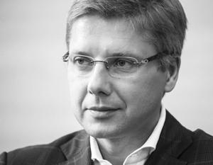 Ушаков умеет «подать себя» избирателю – и это проблема для избирателя