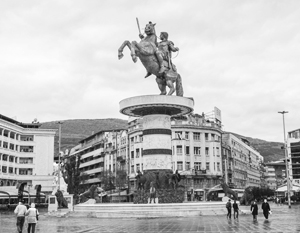 В кризисе государственности Македонии Запад решил обвинить Россию