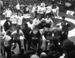Болельщики устроили массовую потасовку на чемпионате России по борьбе
