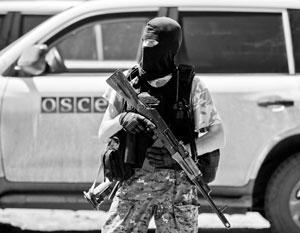 Западные наблюдатели «боятся человека с ружьем», а жители Донецка недолюбливают наблюдателей, которые не могут отстоять их право на безопасность