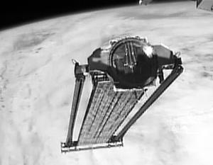 МКС сбросила не сработавшую солнечную батарею НАСА