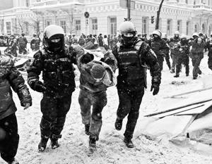 Операция силовиков против михомайдана многим наблюдателям напомнила разгон Майдана в 2013 году