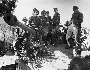 Участникам восстания удавалось даже захватывать немецкие танки (на снимке – трофейная «Пантера» батальона «Зоська» Армии Крайовой), но силы были фатально неравны