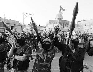 Военное шоу ХАМАС в знак протеста против металлоискателей