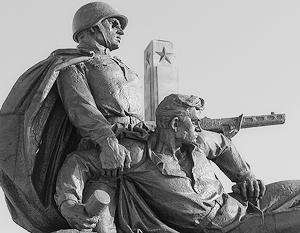 В Польше стоят не менее 469 памятников советской эпохи, около 250 из которых посвящены Красной армии.
