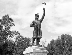 «Люди, которые сейчас пытаются править Молдовой, забыли историю своего народа, забыли того же Стефана Великого», – подчеркивает депутат Госдумы Павел Шперов (на снимке – памятник Стефану III Великому в Кишиневе)
