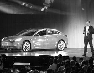 Илон Маск представил серийную версию самого дешевого в линейке электромобиля – Tesla Model 3