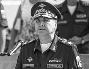 Анатолий Антонов несколько лет проработал заместителем министра обороны - оставаясь при этом абсолютно гражданским человеком