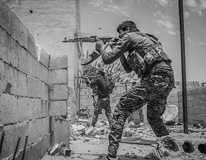 На пике своего влияния джихадисты вели себя так же, как ведет себя сейчас правительственная армия