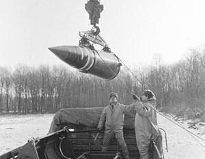К 1996 году Украина передала свой ядерный арсенал России