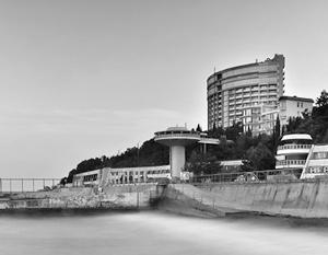Глава Крыма обещает решить проблемы отельеров с высокими ставками аренды земли
