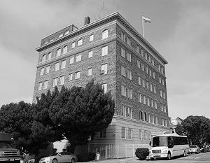 Наше консульство в Сан-Франциско уже объявило, что с пятницы прекращает прием посетителей