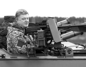 Воинственные обещания Порошенко, тиражируемые украинскими СМИ, похожи на очередные фантазии