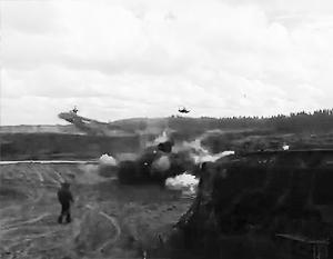 Политика: Военные летчики высказали версии инцидента на полигоне