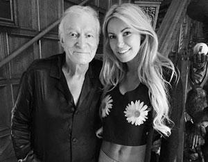 Вдова основателя Playboy за два часа до его смерти смотрела свадебные платья