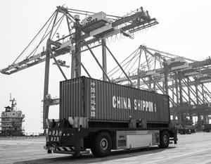 В мире: Китайские портовики скупают Европу