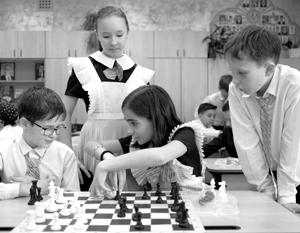 «Игра в шахматы напрямую связана с повышением качества образования. Во всех странах эксперименты проходили», – утверждают в Минобре