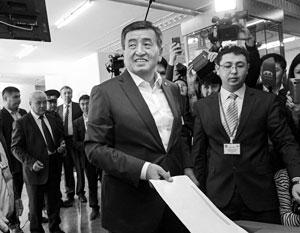 Сооронбай Жээнбеков пообещал начать борьбу с коррупцией со своего соперника на выборах