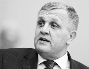 Володин напомнил о конкуренции пожаловавшемуся на воздух в зале заседаний депутату