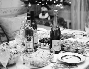 Стоимость приготовления традиционных новогодних салатов наглядно показывает рекордно низкую инфляцию в России