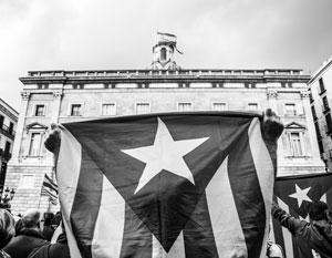 Партия Пучдемона отказалась от одностороннего отделения Каталонии от Испании