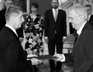 Новый премьер Андрей Бабиш (слева) – давний соратник президента Земана (справа), которого уличают в пророссийских симпатиях