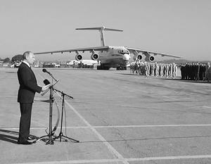 «Родина ждет вас, друзья. Благодарю вас за службу!» – напутствовал Владимир Путин российских военных