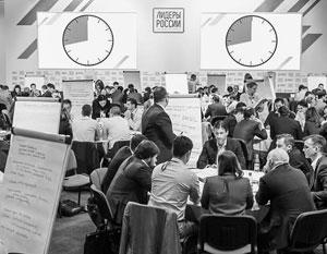 Финалисты решают стратегические вопросы, поставленные их потенциальными наставниками