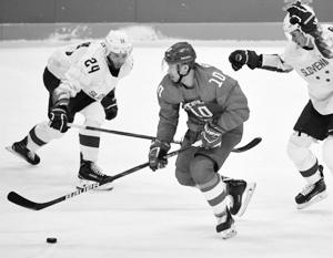 Российские хоккеисты забросили словенцам две шайбы за минуту