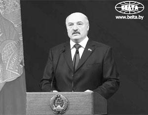 Лукашенко заявил о необходимости создавать белорусское высокоточное оружие