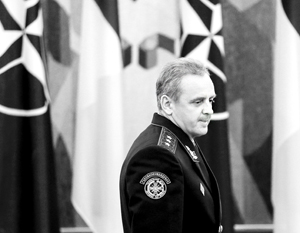 Глава генштаба Украины Муженко признает – «будущее Украины должно быть только в коалиции». Но НАТО не спешит таскать каштаны из огня для Киева