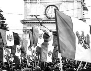 Согласно одному из сценариев, молдаване «попросятся» в состав Румынии в ходе нового Майдана