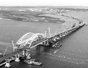 Никакие сложности, даже провокации Украины, не помешают открыть Крымский мост раньше графика