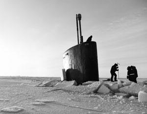 Собиравшаяся отработать удар по России американская подлодка застряла во льдах