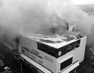 Общество: Что делать, если вы оказались во время пожара в торговом центре