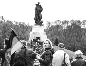 Мнения: Линия фронта той войны пролегает в головах наших собственных детей