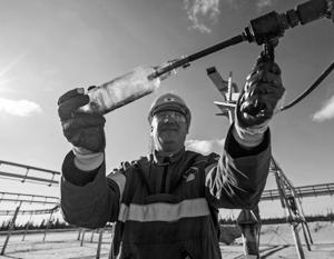 России достаточно 64 долларов за баррель, но Саудовская Аравия хочет нефть по 80–100 долларов