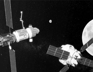 США принуждают Россию к американским стандартам лунной станции