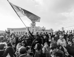 Оппозиция заблокировала улицы Еревана