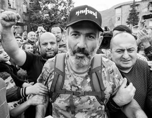 Никол Пашинян идет к власти как кумир народа