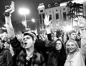 Националисты пытались разогнать «клубную молодежь», но полиция не позволила