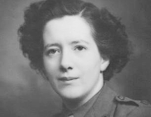 На фото – «королева британской разведки», женщина-легенда, «Джеймс Бонд в юбке» баронесса Дафна Парк. Именно она стояла за целым рядом убийств, совершенных MI6