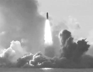 Подлодка «Юрий Долгорукий» успешно запустила сразу четыре МБР «Булава» из акватории Белого моря по полигону Кура на Камчатке