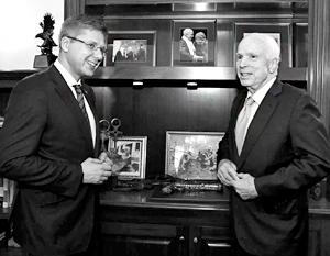 Ушаков небезосновательно надеется, что Маккейн поможет ему взять власть в Латвии