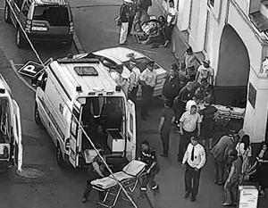 В центре Москвы несколько человек пострадали по вине водителя такси, который уснул за рулем